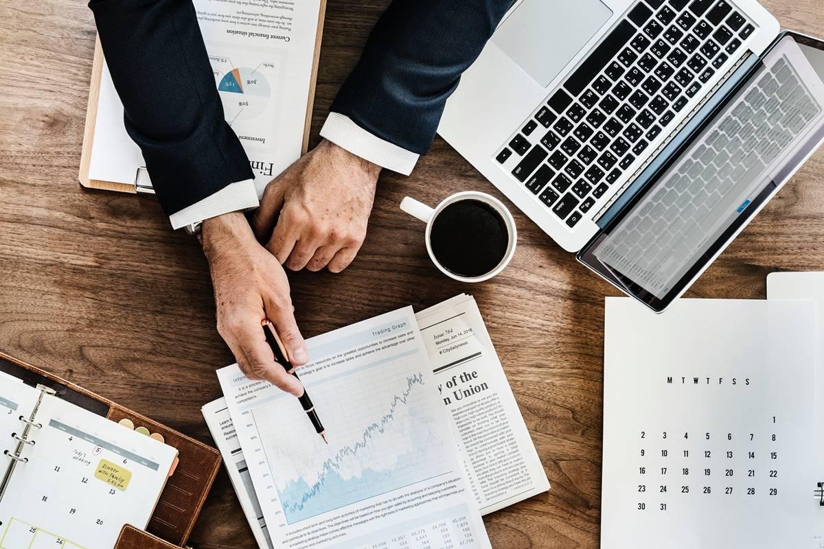 Financial Projections - Financial WordPress Theme